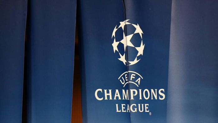 PARIS, FRANCE - NOVEMBER 22: General view of the UEFA Champions league logo during the UEFA Champions League group B match between Paris Saint-Germain and Celtic FC at Parc des Princes on November 22, 2017 in Paris, France. (Photo by Catherine Ivill/Getty Images)