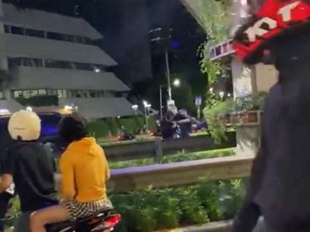 Viral Rombongan Gubernur NTT Pukuli Pengendara di Sudirman!