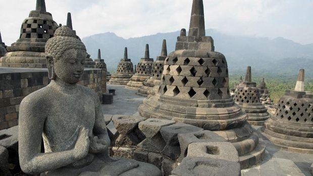 Bigest monument of Buddhist architecture Java Indonesia