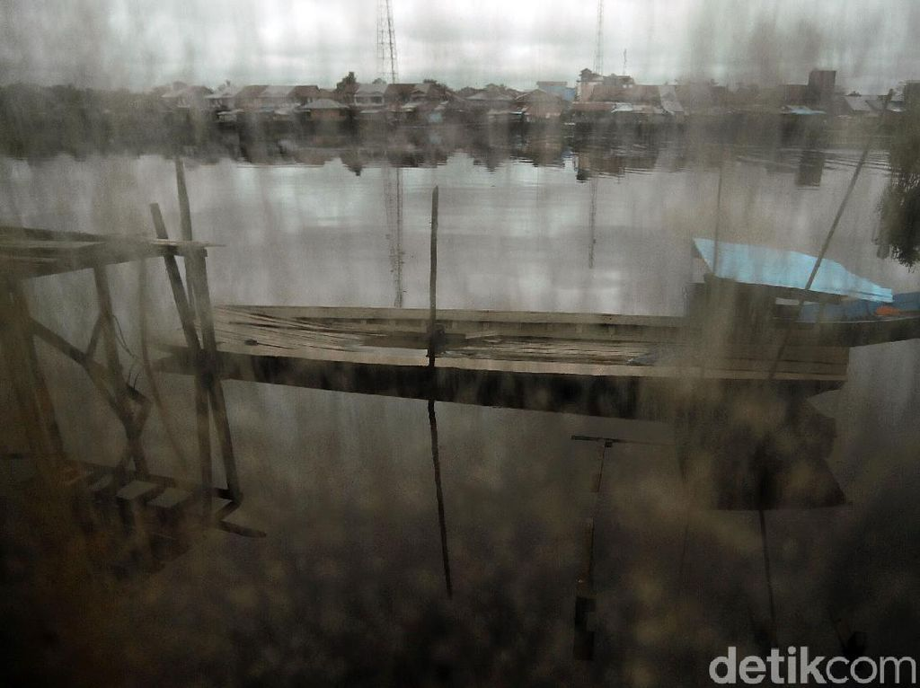 Ke Kalimantan, Tak Afdal Bila Tak Menyeberangi Sungainya