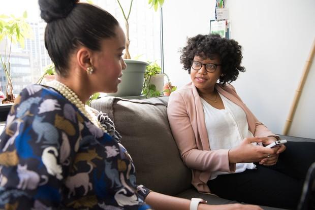 Berbicara dengan orang terdekat/ Foto: Pexels.com