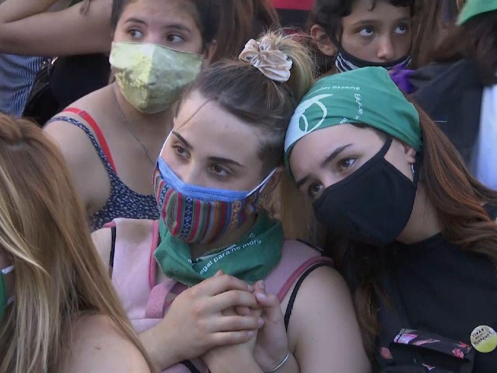 Kaum Hawa Argentina Tuntut Aborsi Dilegalkan