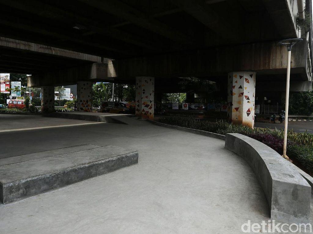 Asyik... Ada Skatepark di Kolong Tol JORR Jati Warna