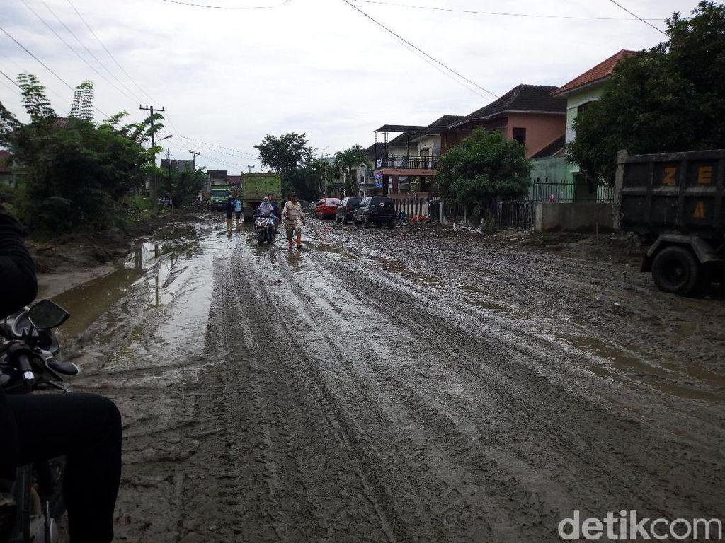 Sepekan Pascabanjir di Medan, Lumpur di Tanjung Selamat Masih Tebal