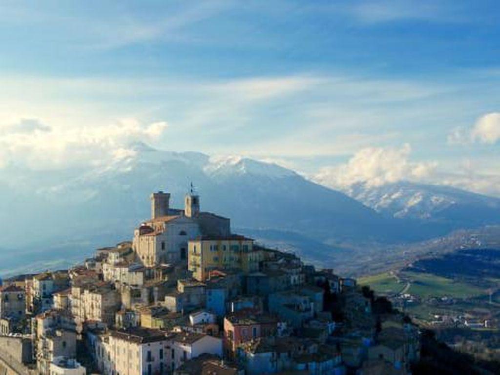 Saking Sepinya, Desa Wisata Italia Ini Tak Butuh Social Distancing