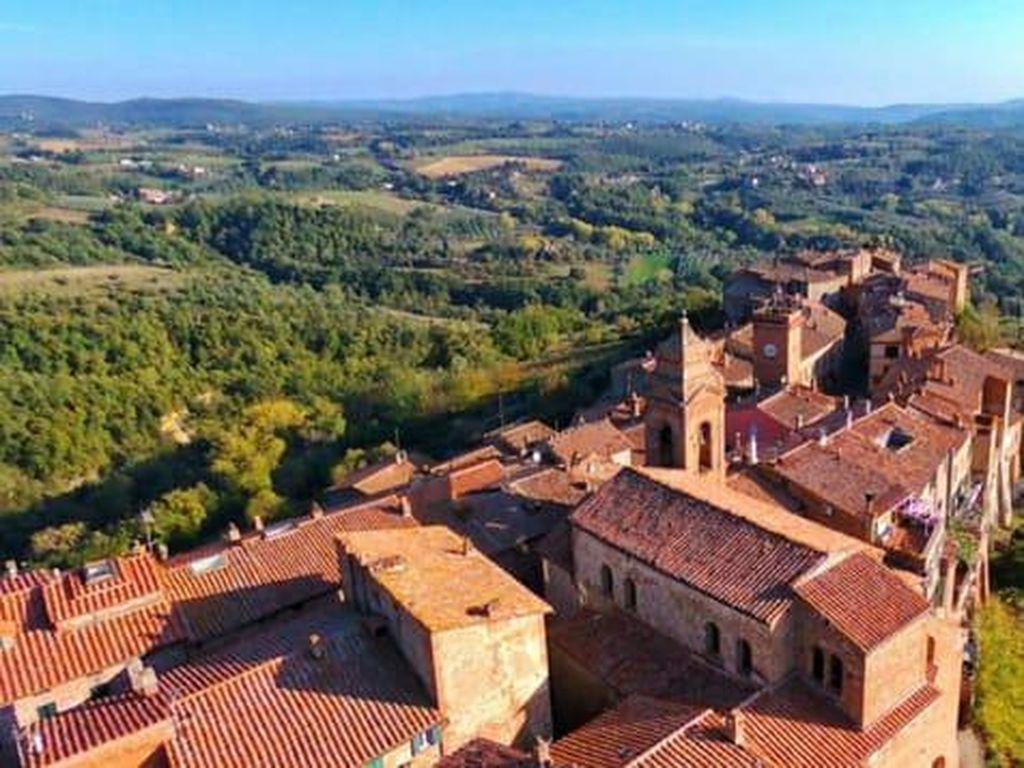 Foto: 10 Desa Terpencil Cantik Italia yang Mungkin Belum Kamu Tahu