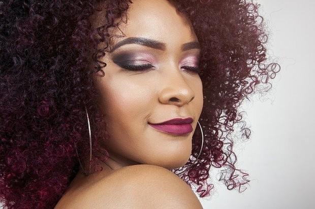 lipstick ungu