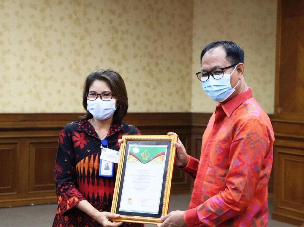 Bantu Tangani COVID-19, Pemkab Badung Beri Penghargaan 41 Perusahaan