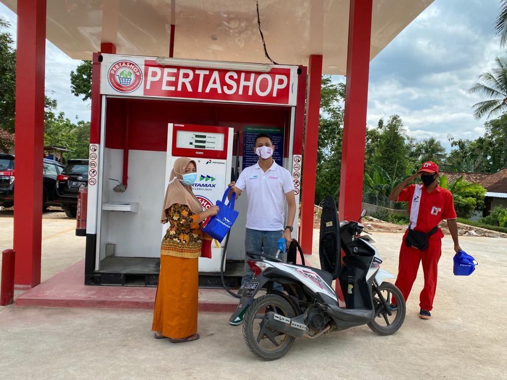 HUT Pertamina Ke-63, Pertashop di Lampung Bagi Promo buat Pelanggan