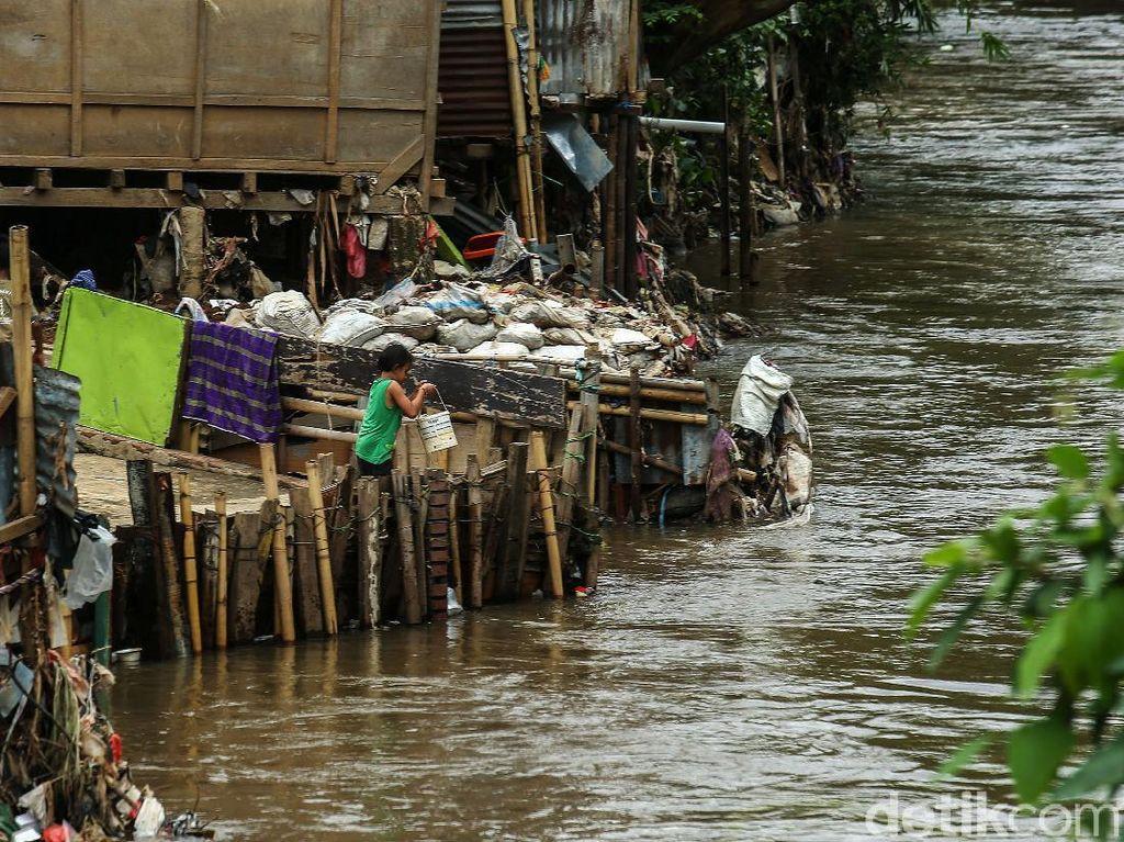 Jokowi Sebut Rusun Pasar Rumput Bisa Tampung Warga Bantaran Ciliwung
