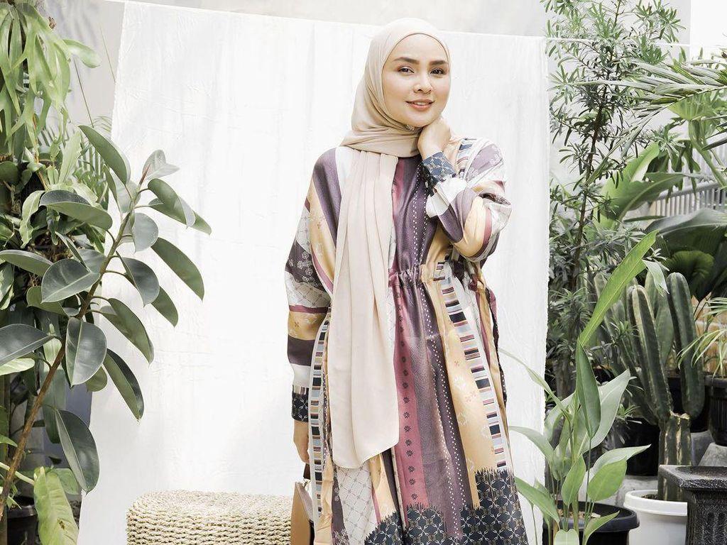 Tren Hijab 2021 Menurut Ria Miranda: Pashmina Comeback