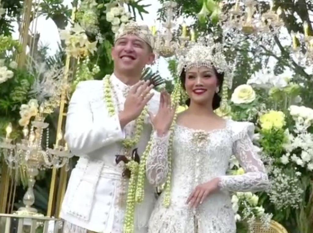 Yura Yunita Resmi Menikah dengan Donne Maula