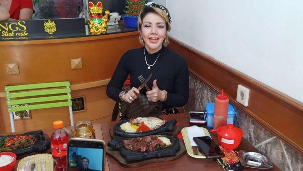 Doyan Makan, Barbie Kumalasari Paling Suka Steak dan Sate