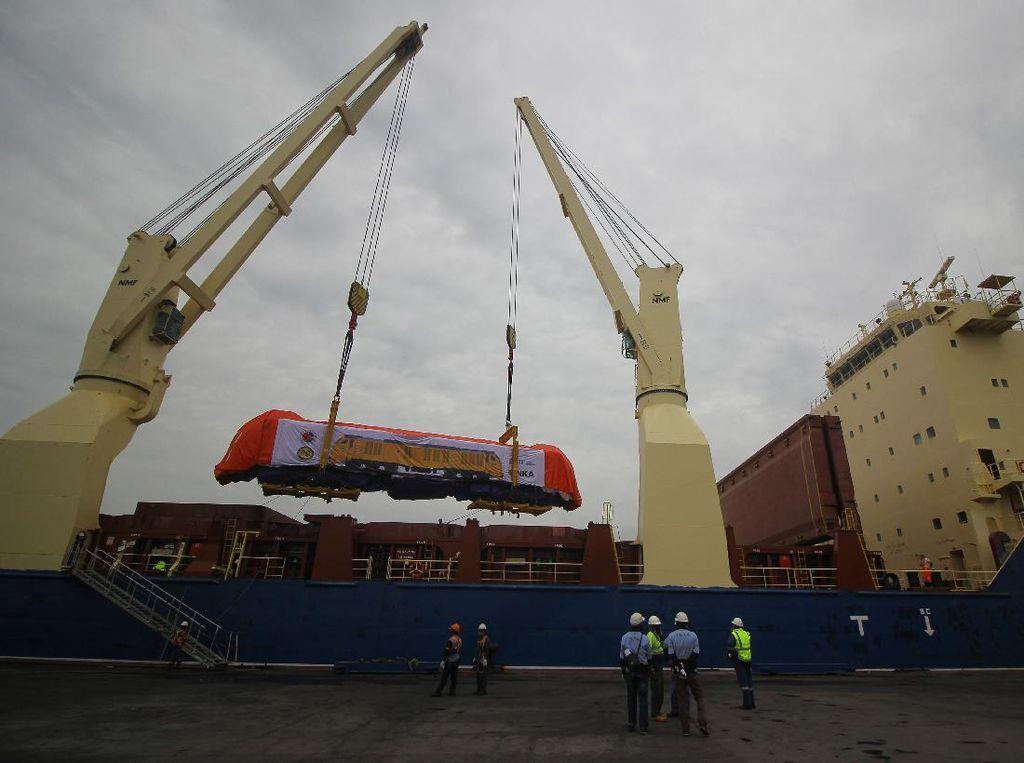 3 Lokomotif dan 15 Gerbong Penumpang Diekspor INKA ke Filipina