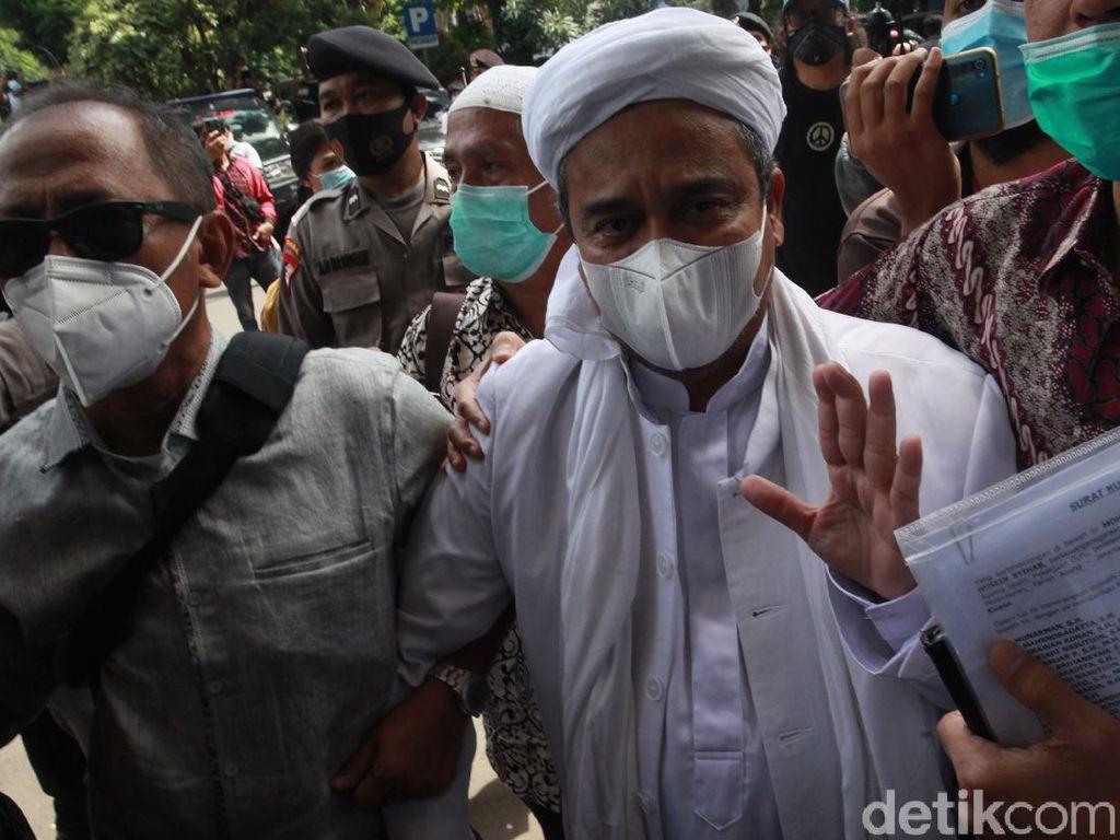 Kronologi Habib Rizieq Positif Dites Corona tapi Enggan Diperiksa Satgas