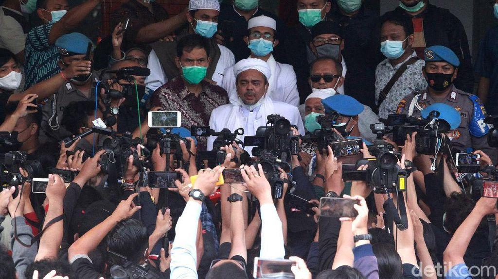 Momen Habib Rizieq Tiba di Polda Metro Jaya