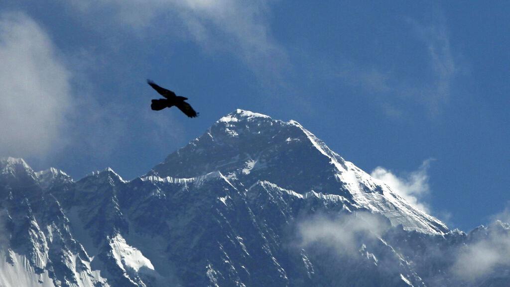 Nah Loh! Gunung Everest Tercatat Bertambah Tinggi Lho