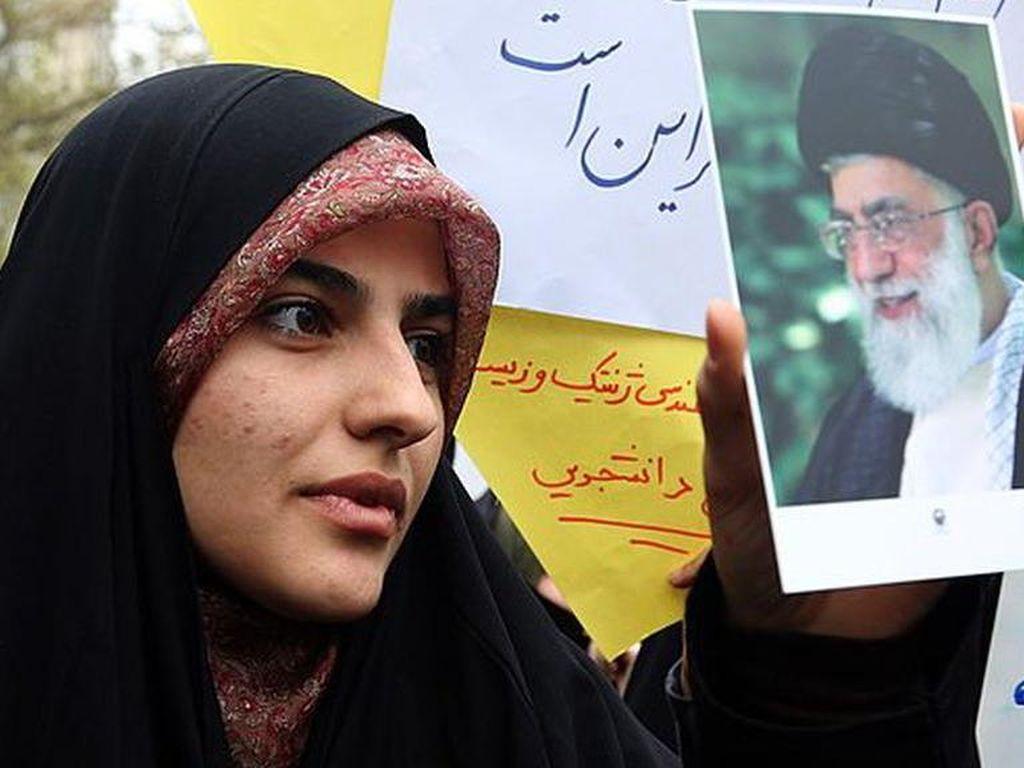 Siapa yang Akan Gantikan Khamenei di Tengah Rumor Soal Kesehatannya?