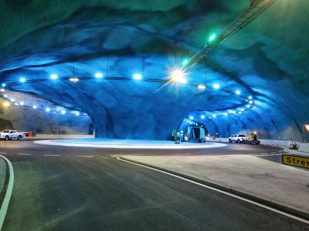 Canggih dan Indah, Terowongan Bawah Laut Ini Mirip Dunia Lain