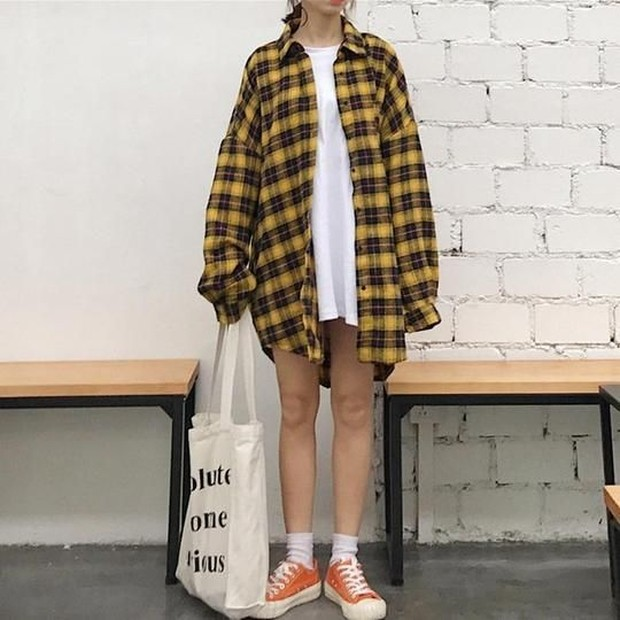 Oversized flanel with t-shirt and totebag
