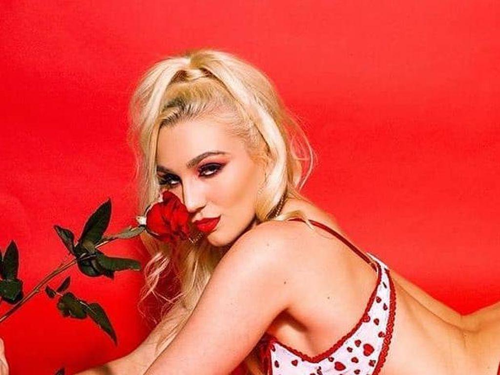Foto: Bintang Porno Didepak dari IG, Ngaku Ingin Bercinta dengan CEO Instagram