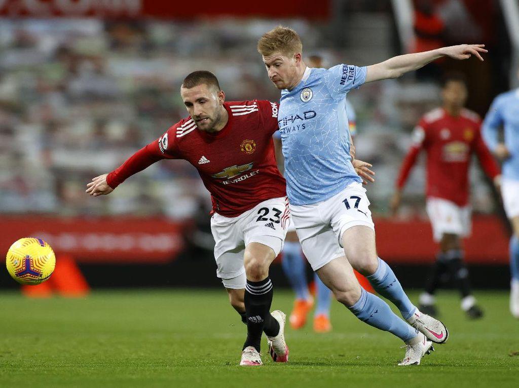 Mike Tyson Cuma Tahu 1 Klub Bola di Manchester... MU atau City?