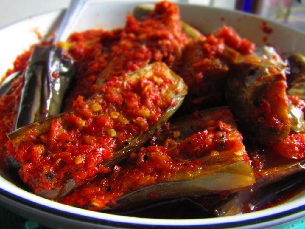Resep Terong Balado ala Rumah Makan Padang yang Pedas Nendang