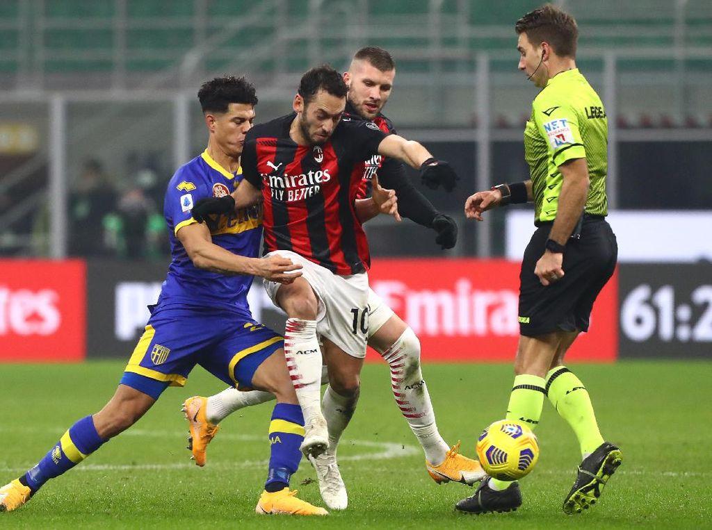 Diimbangi Parma, AC Milan Masih di Puncak