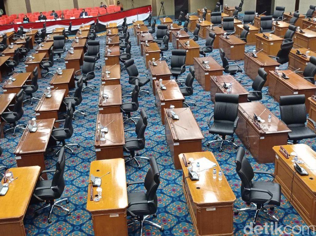 Aksi Fraksi DPRD DKI Saat Walk Out Tinggalkan PSI