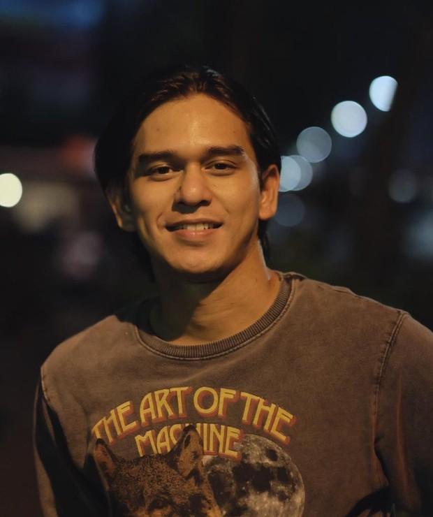 Rangga Azof sebagai aktor sinetron terpopuler 2020.