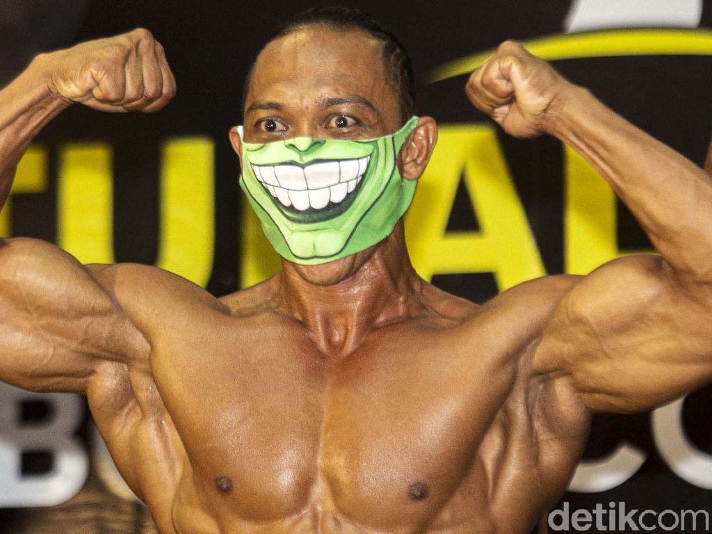 Atlet Binaraga Adu Kekar di Tengah Pandemi