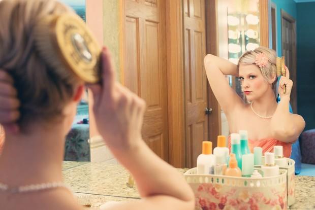 Menyisir rambut sebaiknya dilakukan saat rambut sudah kering