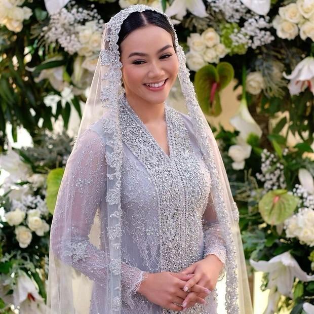 Cantiknya Makeup dan Kebaya Yura Yunita dalam Rangkaian Acara Jelang Pernikahan