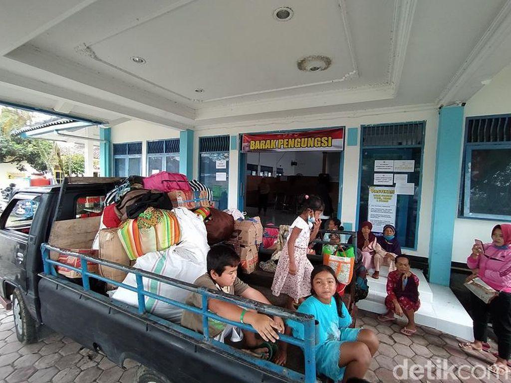 Ratusan Warga Lereng Merapi Tinggalkan Pengungsian