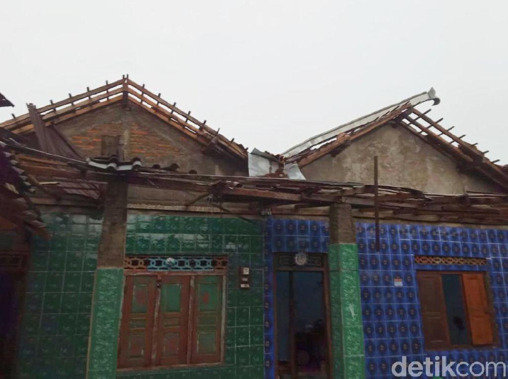 Angin Kencang dan Hujan Deras di Klaten Merusak 43 Rumah