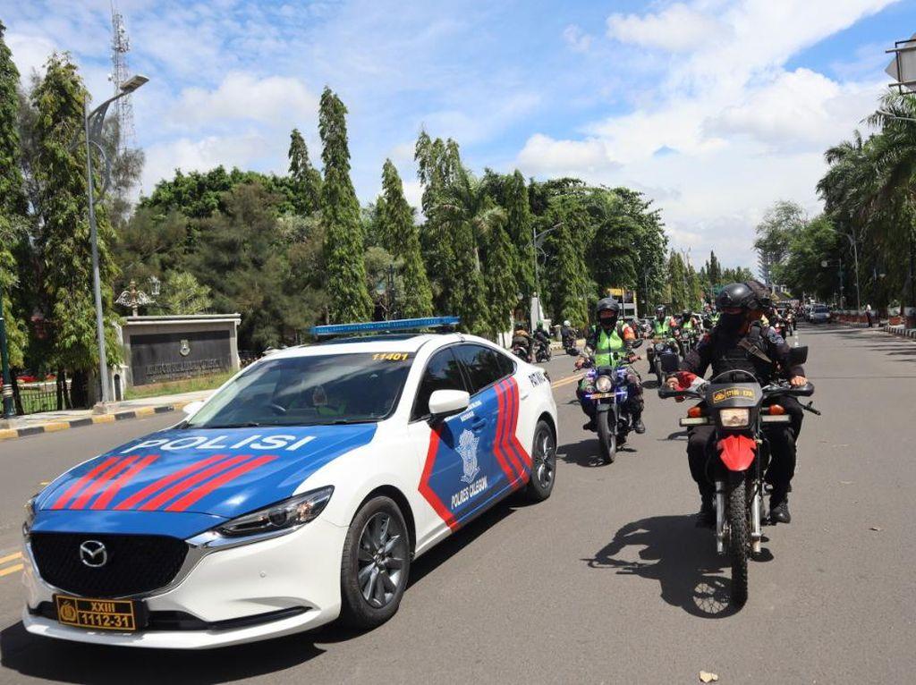 TNI-Polri Gelar Patroli Jelang Pleno Penghitungan Suara di KPU Cilegon