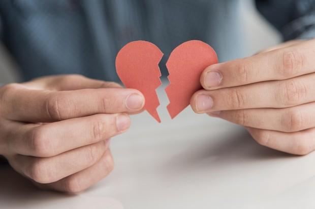 Akhir dari hubungan cinta bukanlah kegagalan namun pembelajaran.