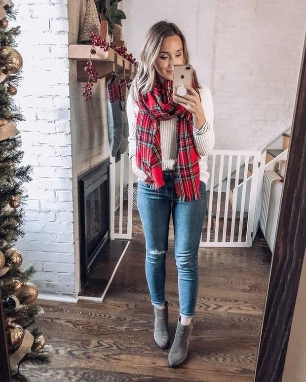 Plaid Scraf With Skinny Jeans