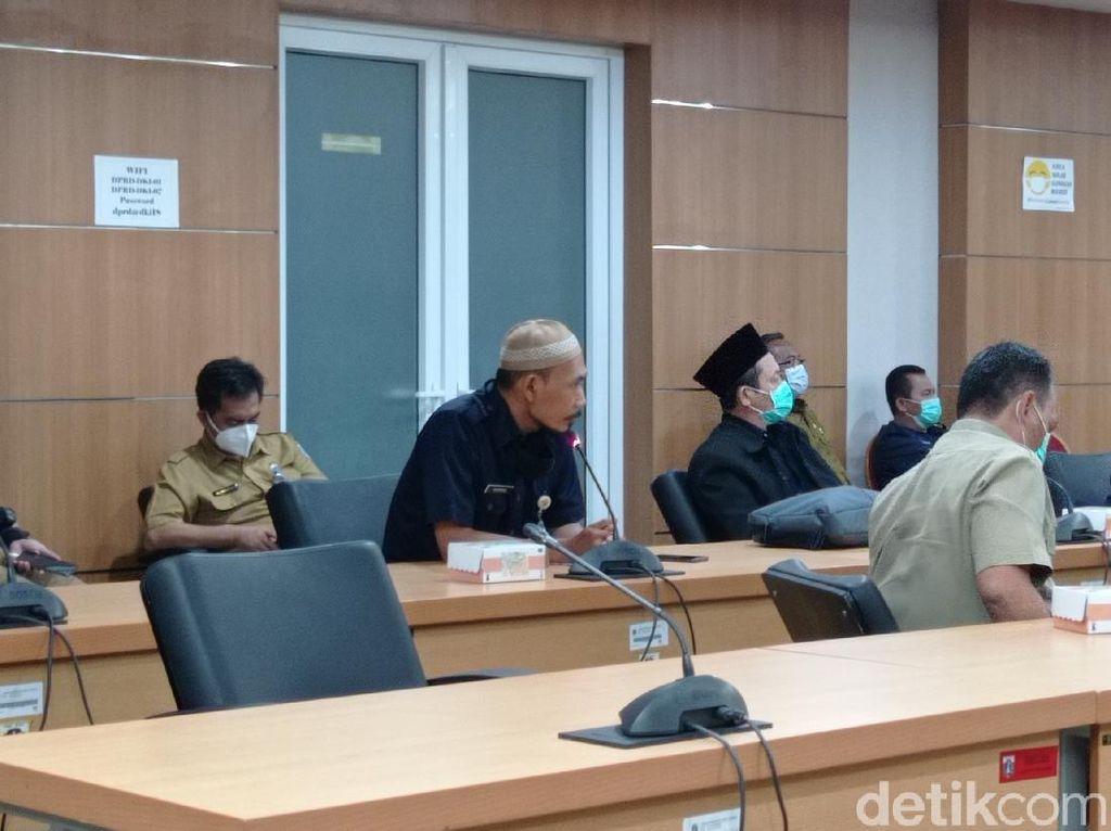 Ketua DPRD DKI Ancam Polisikan Guru Pembuat Soal Anies Diejek Mega