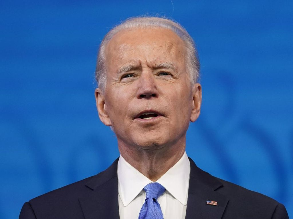Joe Biden Tunjuk Politisi Gay Jadi Menhub AS