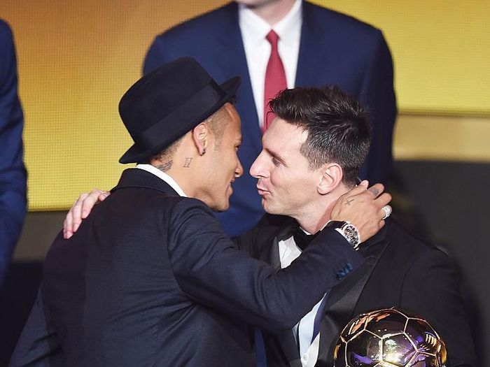 ZURICH, SWITZERLAND - JANUARY 11:  Lionel Messi of Argentina and FC Barcelona the winner of the Ballon dor is congratulated by Neymar Jr of Brazil and FC Barcelona during the FIFA Ballon dOr Gala 2015 at the Kongresshaus on January 11, 2016 in Zurich, Switzerland.  (Photo by Matthias Hangst/Getty Images)