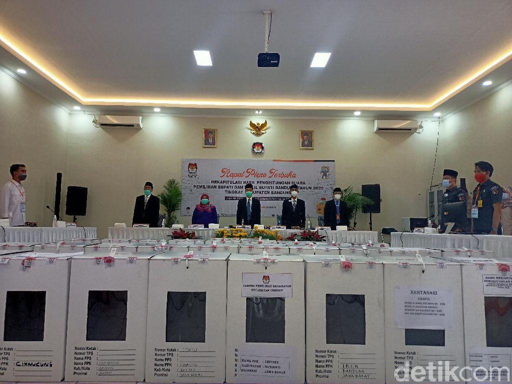Saksi Nia-Usman Ogah Teken Berita Acara Rekapitulasi KPU Bandung
