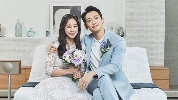 Pada tahun 2012, Rain yang saat itu berusia 30 tahun dikonfirmasi telah berpacaran dengan aktris Kim Tae Hee yang berusia 32 tahun.