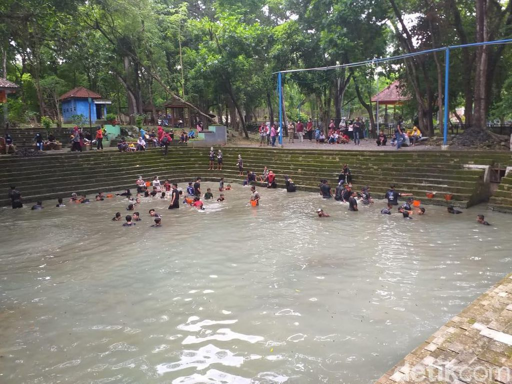 Keduk Beji, Ritual Kuras Sumber Air di Ngawi untuk Usir Pagebluk