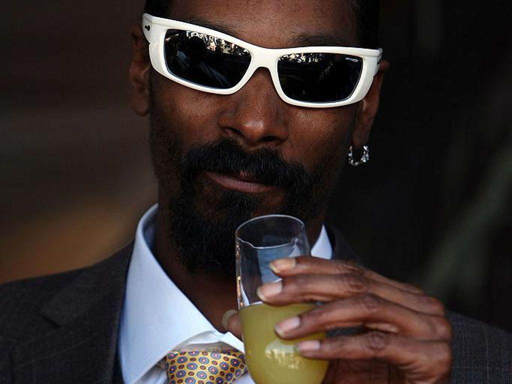 Snoop Dogg Jadi Bintang Iklan Bir Corona, Dibayar Rp 142 Miliar