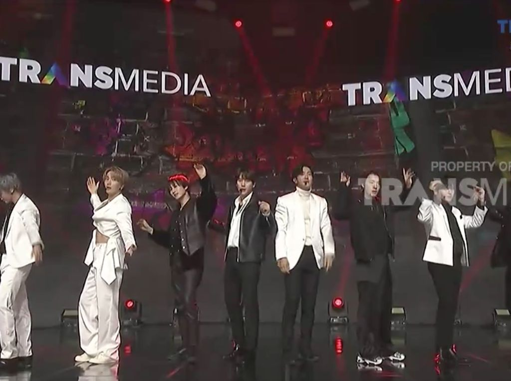 Super Junior Tampil Lagi Dengan The Melody dan Berbincang di HUT Transmedia ke-19