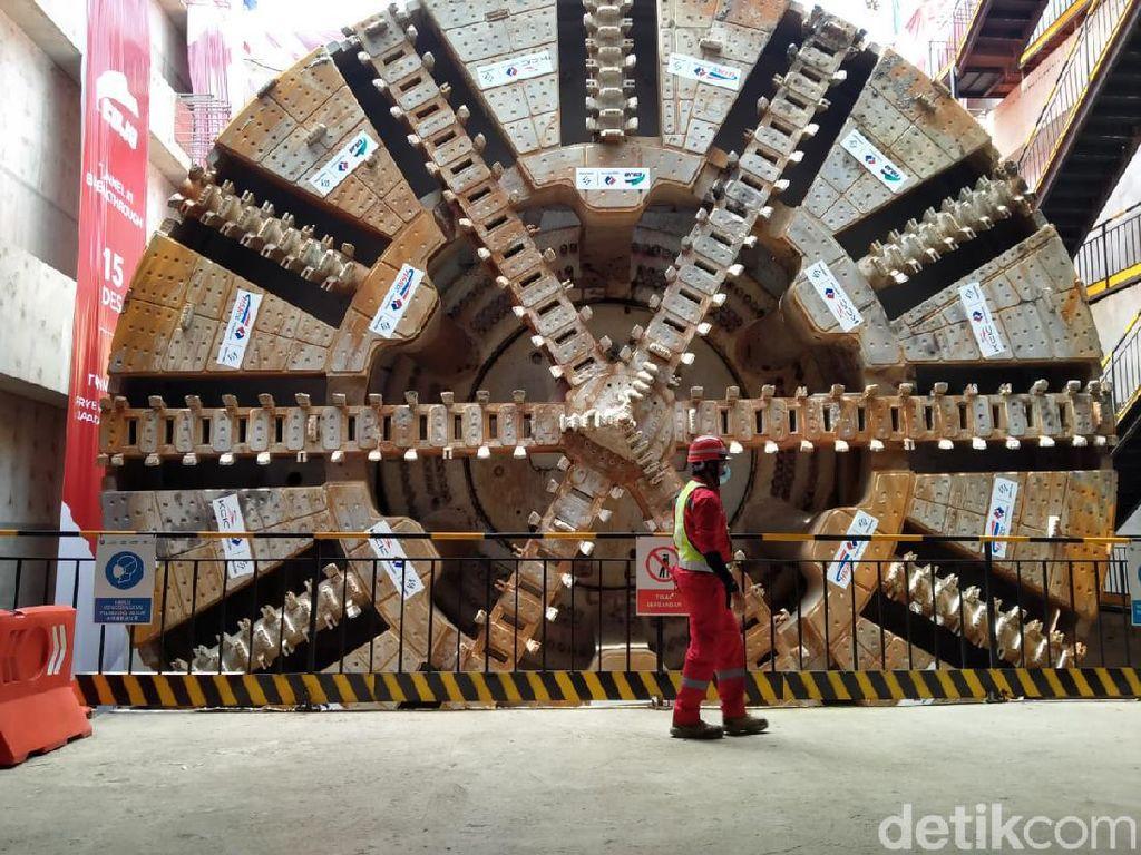 Rel Kereta Cepat dari China Segera Tiba di RI, KCIC Siap-siap Pasang