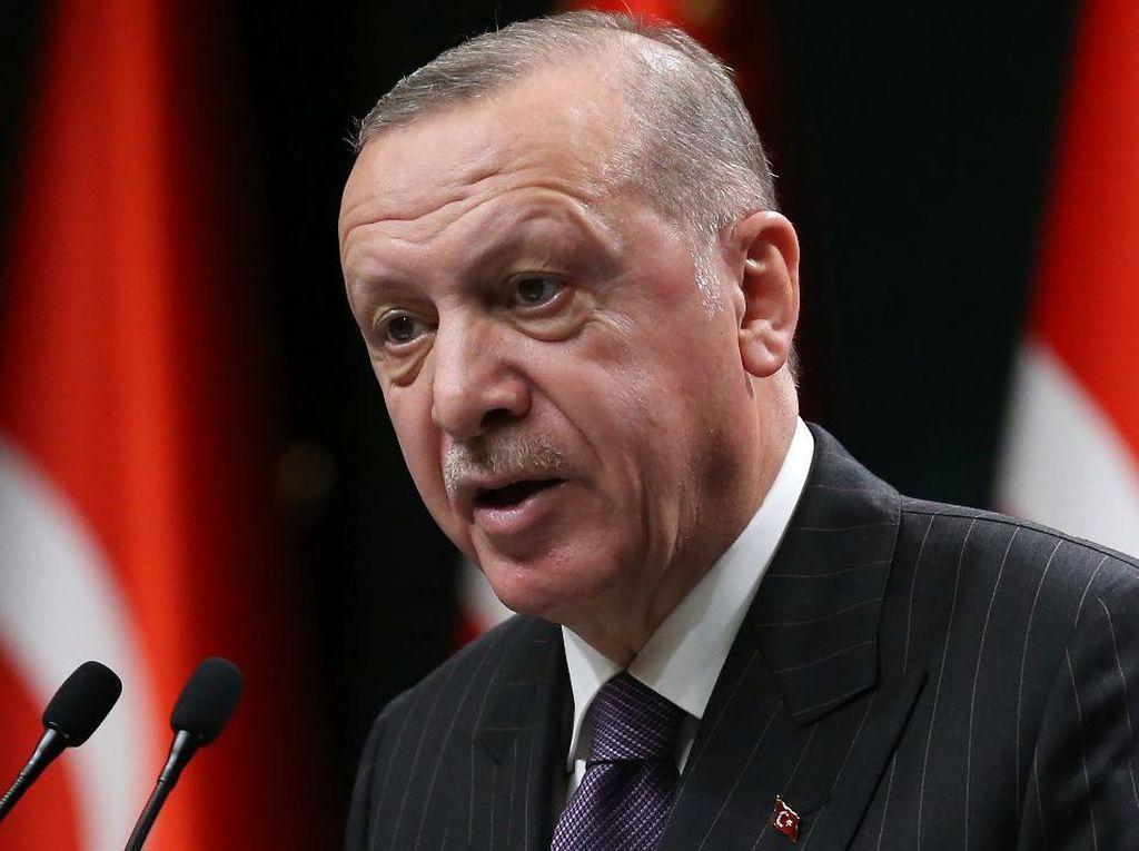 Erdogan Gelisah Usai Dicecar Oposisi Turki Pakai Poster