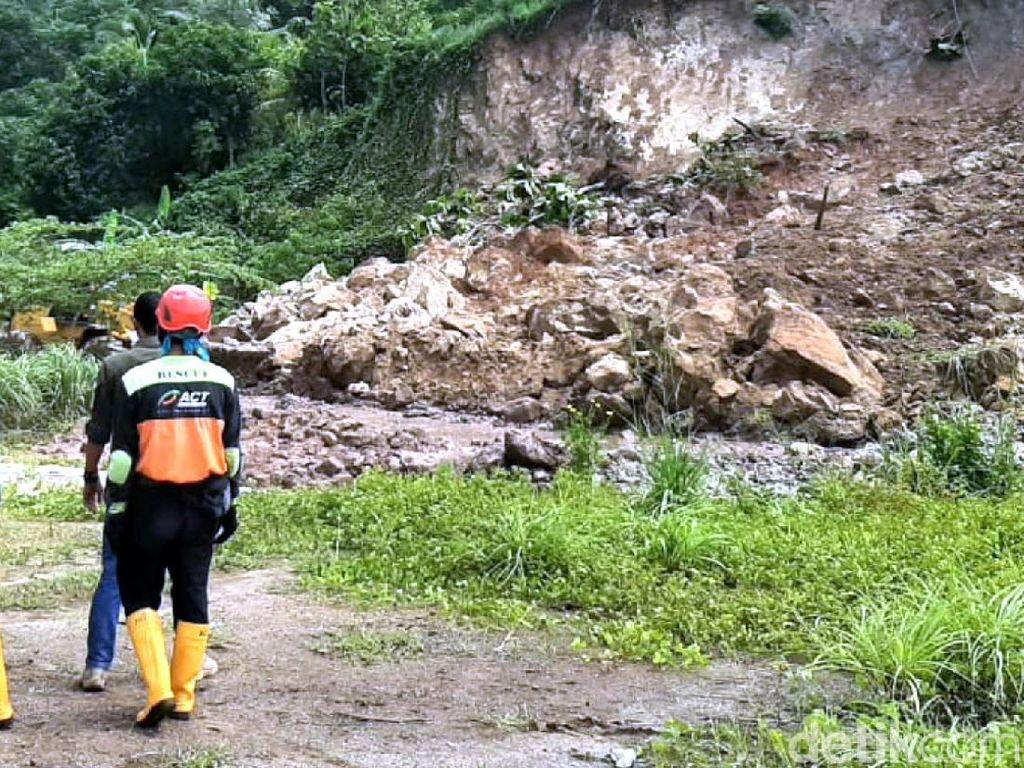 Akses Geopark Sukabumi Longsor, Polisi Tutup Sementara Arus Lalin