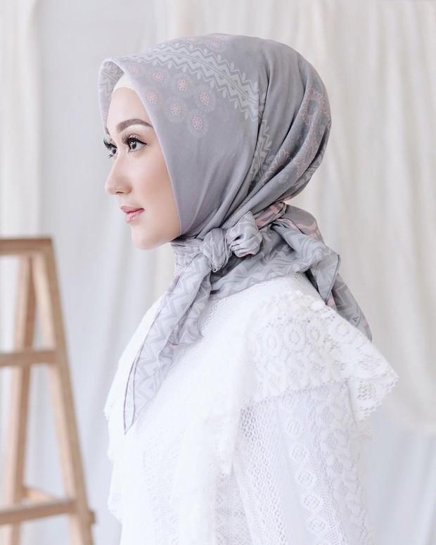 Gaya hijab segi empat